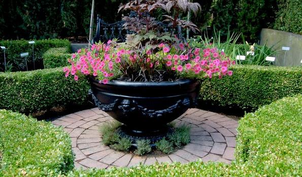 Gardenstone Pot