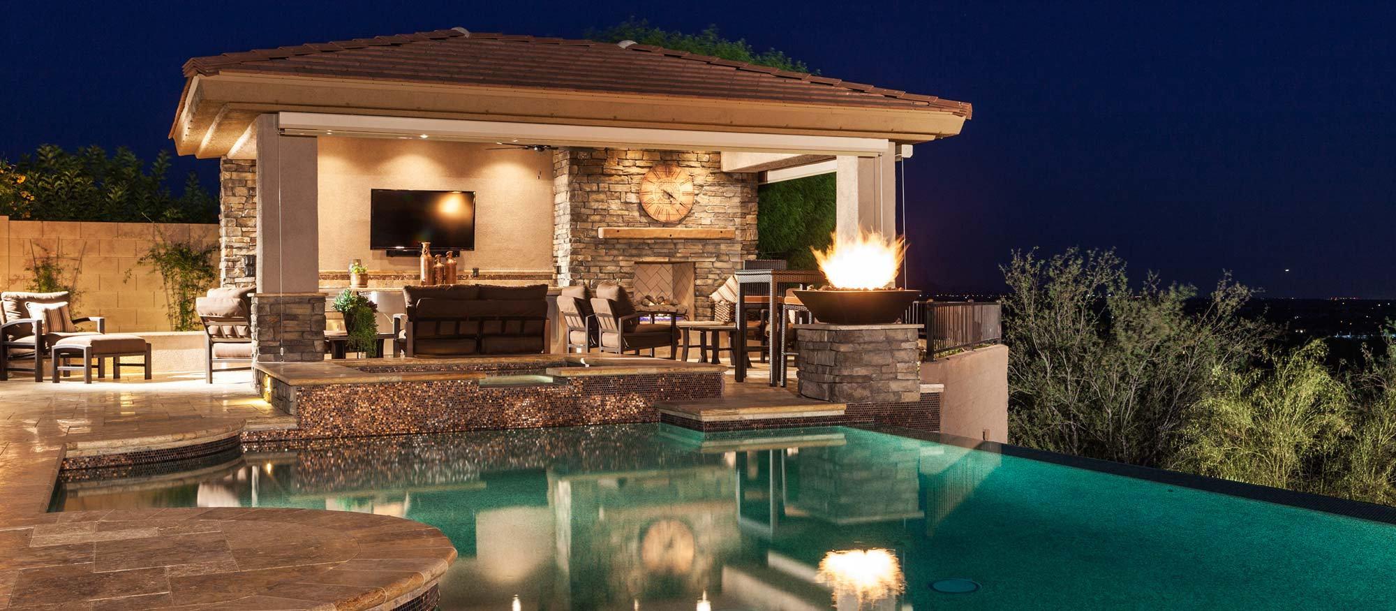 Negative Edge Pool, Spa, Outdoor Kitchen, Ramada, Fireplace